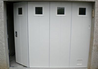 Portillon-porte-de-garage-coulissante-dauphine-stores-et-fermetures